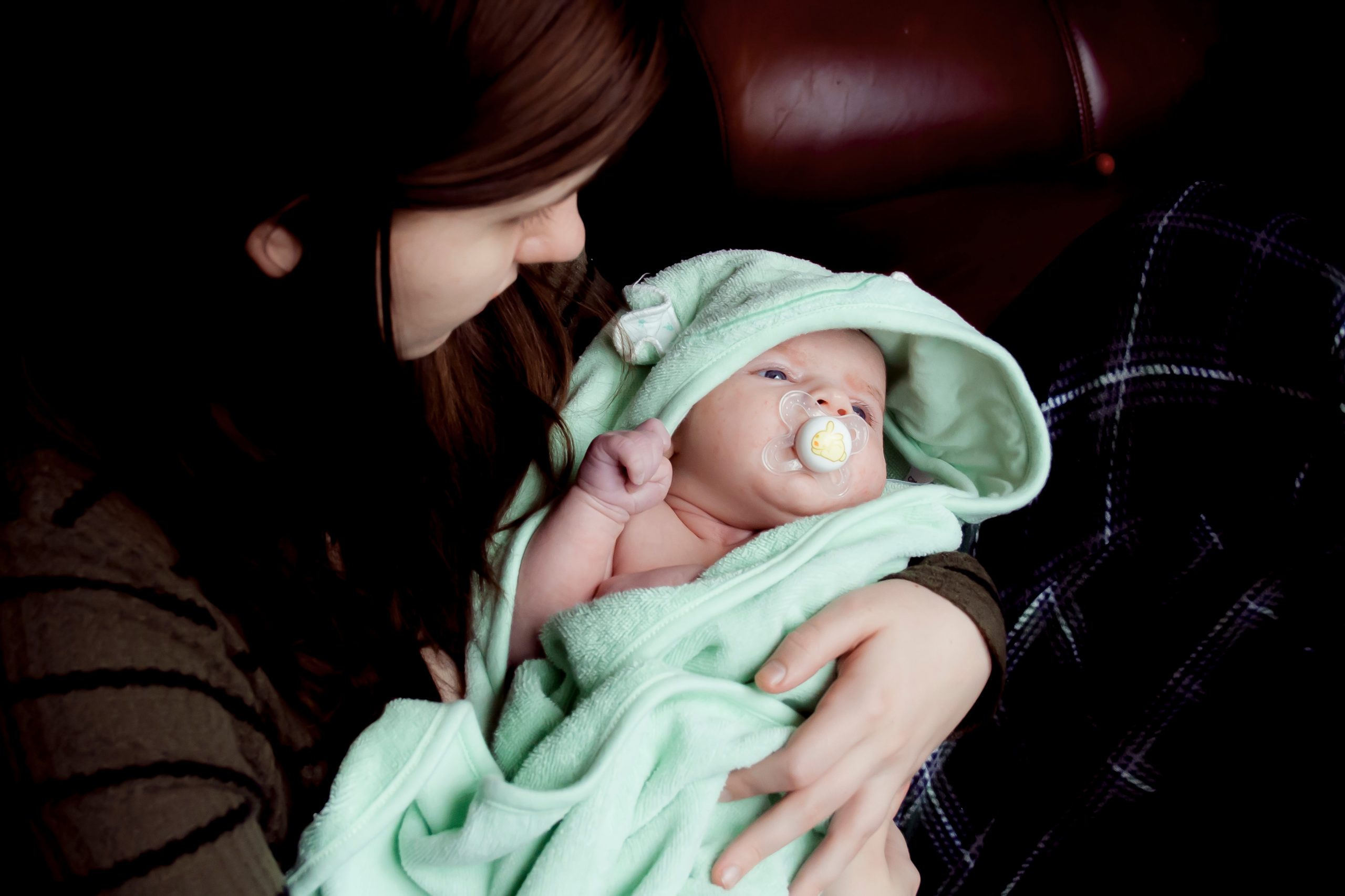 Postpartum-depressie-moeder-baby-wegkijken IMH Nederlnad
